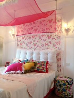 现代80后婚房卧室装修效果图