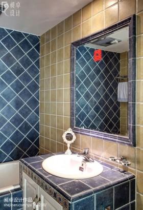 现代风格小户型卫生间墙面瓷砖效果图