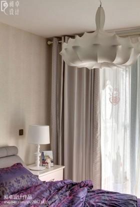现代风格卧室罗马杆窗帘效果图