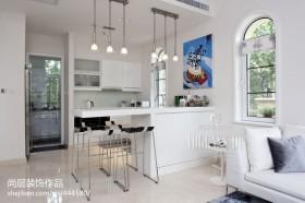现代风格厨房吧台面设计效果图