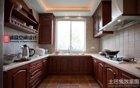 美式U型厨房橱柜装修效果图
