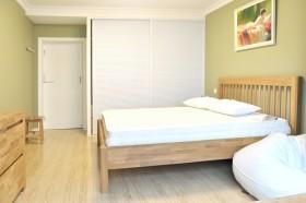 小户型简约卧室装修效果图