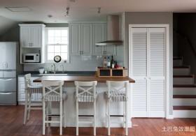地中海风格厨房高脚椅图片