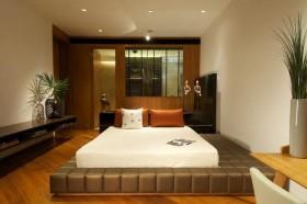 中式风格三居卧室榻榻米床装修效果图