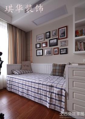 美式二居卧室照片墙装修效果图