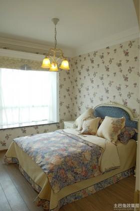 田园风格二居卧室碎花壁纸图片