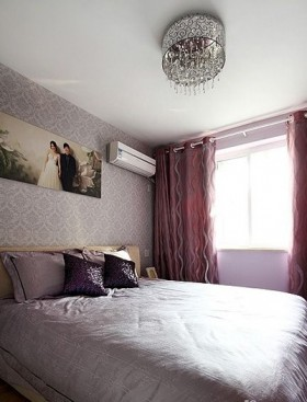 现代简约婚房卧室装修效果图片