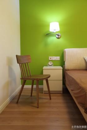 简约两室一厅卧室床头灯效果图