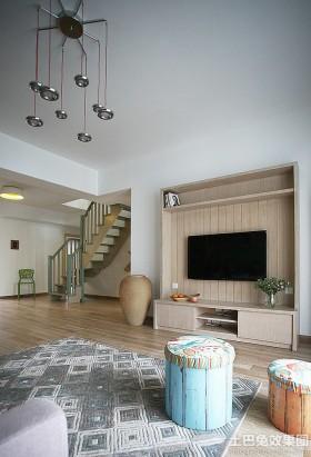 简约复式楼木质电视背景墙装修效果图