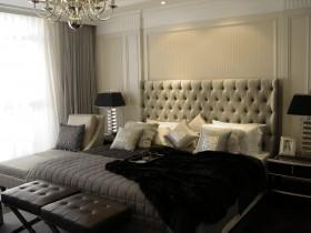 三居大户型卧室床头软包装修效果图片