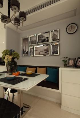 现代90平米二居餐厅照片墙效果图