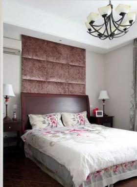 美式二居卧室床头背景墙装修效果图片