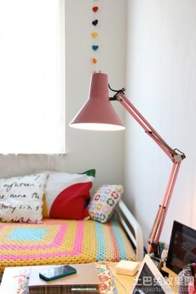 书房led台灯效果图