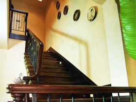 别墅实木楼梯效果图片