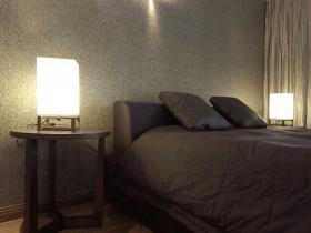 简约卧室床头台灯装修效果图片