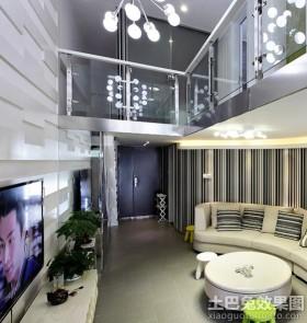 现代简约loft户型客厅装修效果图片