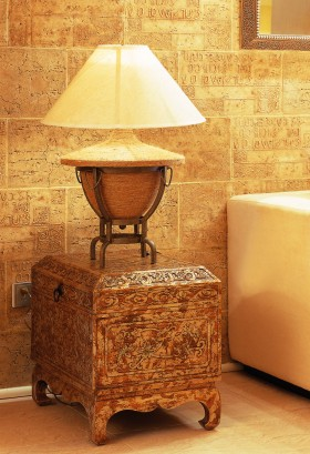 暖色调北非风格台灯图片