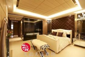 现代卧室软包背景墙装修效果图