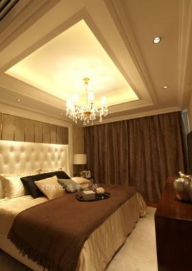 现代欧式二居室卧室方形吊顶装修效果图