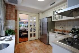 混搭风格封闭式厨房装修效果图