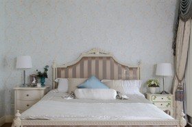 混搭风格卧室床头背景墙装修效果图
