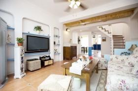 混搭风格复式楼客厅电视背景墙效果图