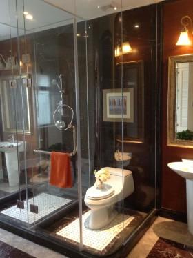 美式卫生间淋浴房隔断装修效果图