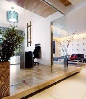现代简约风格玻璃推拉门 地台装修效果图