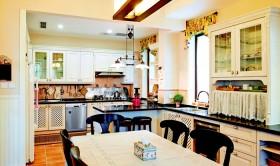 美式田园风格开放式厨房装修效果图