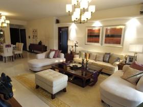 东南亚风格二居客厅装饰画效果图