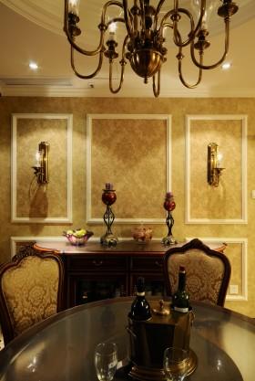 美式新古典风格餐厅餐边柜效果图