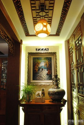 中式三居室装修门厅吊顶效果图