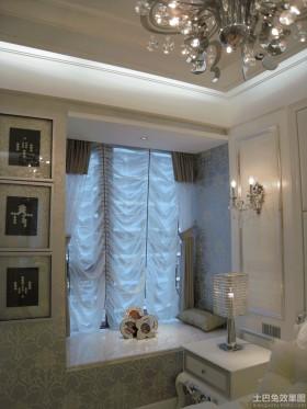 新古典主义风格飘窗设计
