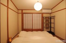 日式卧室榻榻米装修效果图片