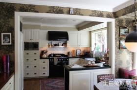 半开放式厨房隔断墙装修