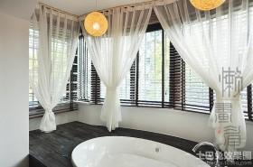 浴室柔纱窗帘效果图