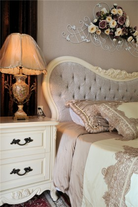 欧式卧室装饰