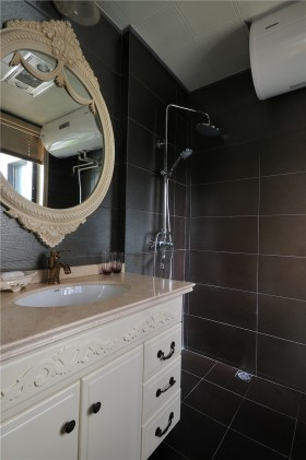 最新欧式浴室柜图片