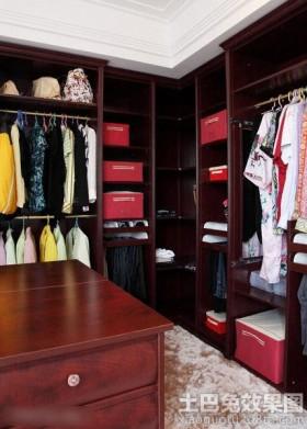 时尚家庭衣帽间