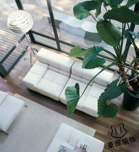 白色简约客厅沙发图片