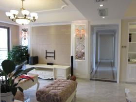 欧式二居室客厅吊灯图片欣赏