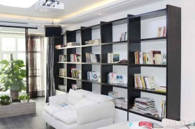 现代简约90平方米两室一厅书架装修效果图