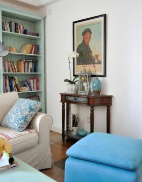 地中海风格小户型客厅桌子摆件