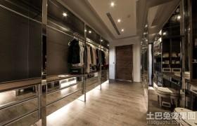 现代风格两室两厅衣帽间装修效果图