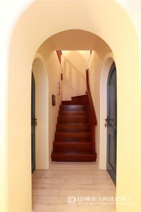 地中海风格旧房改造复式楼房过道楼梯图片
