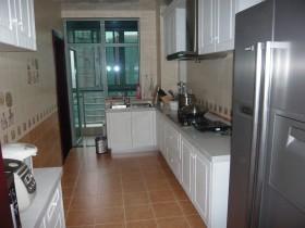宜家风格整体长厨房设计图片