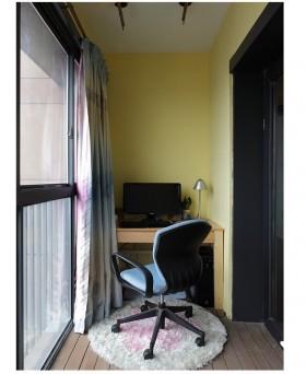 阳台工作区书桌椅图片