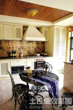 乡村风格厨房桑拿板吊顶效果图
