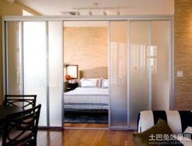 一居室装修卧室推拉门图片