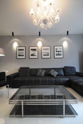 现代简约二居室客厅玻璃茶几图片